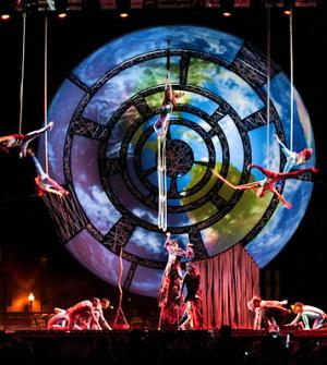 Astuce ACS décor extérieur spectacle Cirque du Soleil